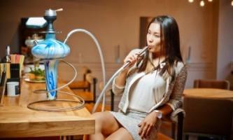 Як правильно курити кальян