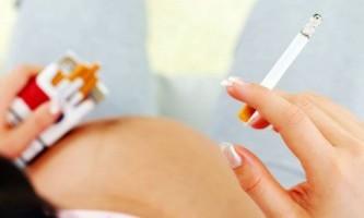 Як шкодить куріння під час вагітності?