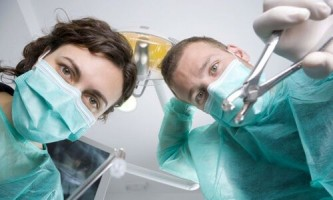 Підкажіть чи можна курити після видалення зуба